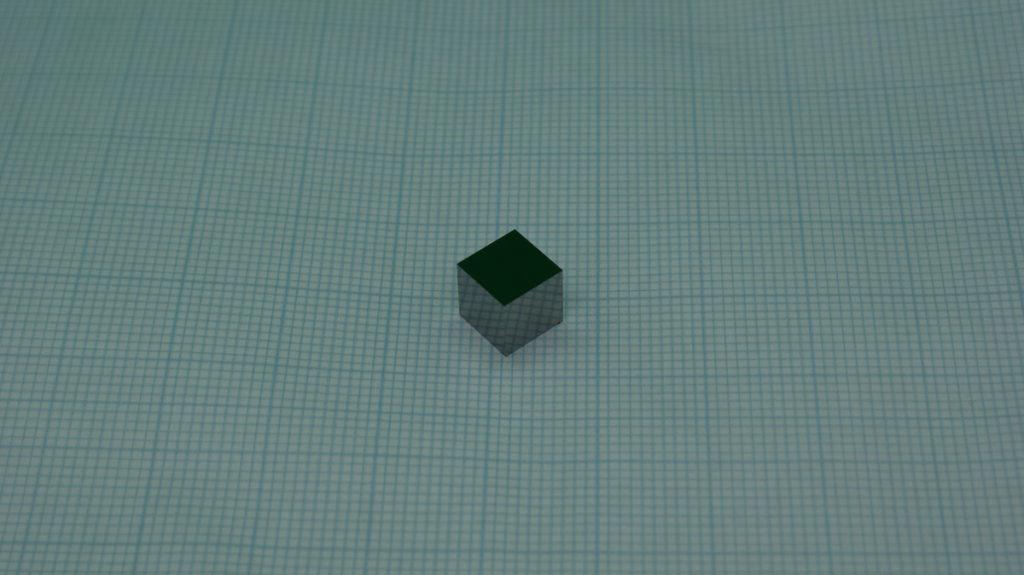 研磨加工製品例「超硬  超精密立方体」